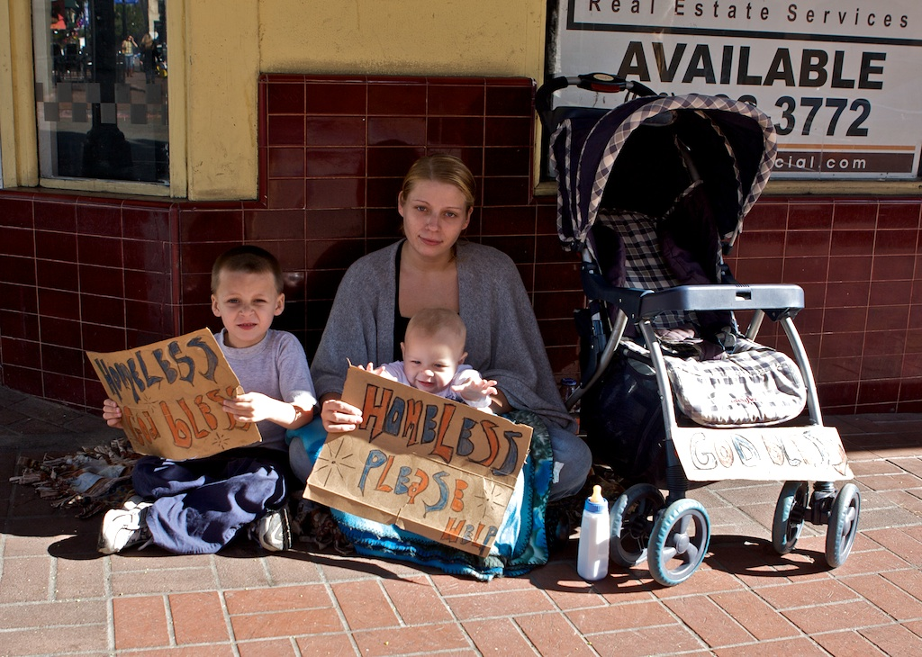 homeless_family